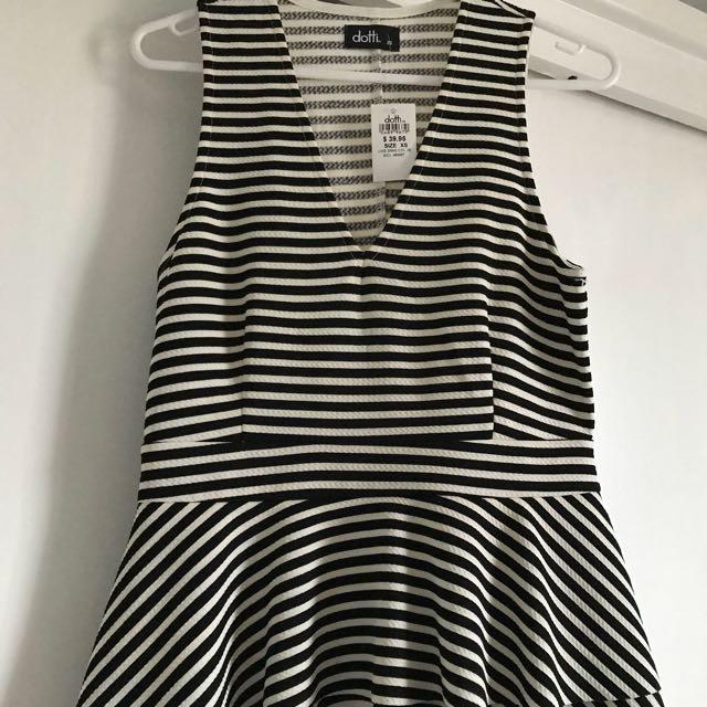 Brand new black and white stripe dotti top size xs