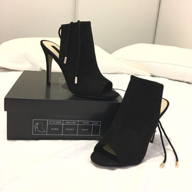 4cb2b21f583e BRAND NEW  Size 8 - Forever21 Lace Up Faux Suede Heels