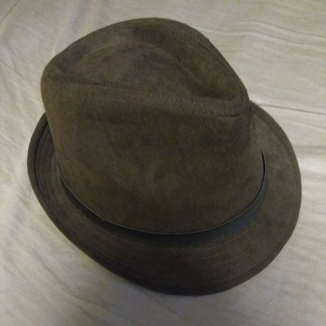 ed5ed2b9d38c17 Brown Fedora Hat, Men's Fashion, Accessories on Carousell