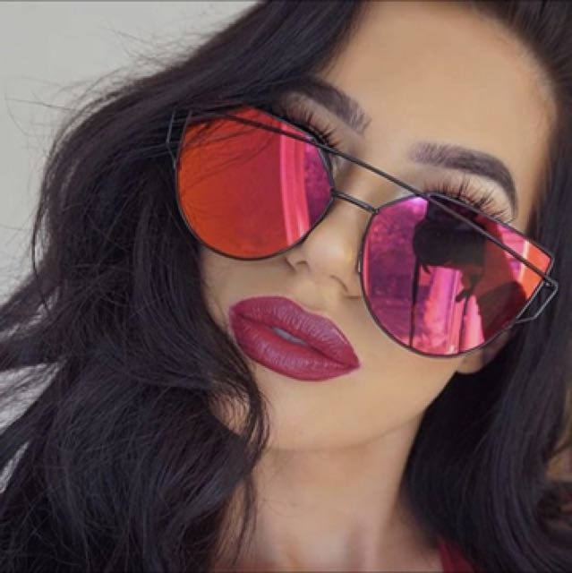 Cat eye mirror sunglasses - red with black frame