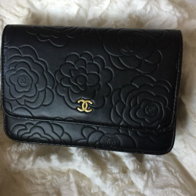 Chanel Camellia size 20