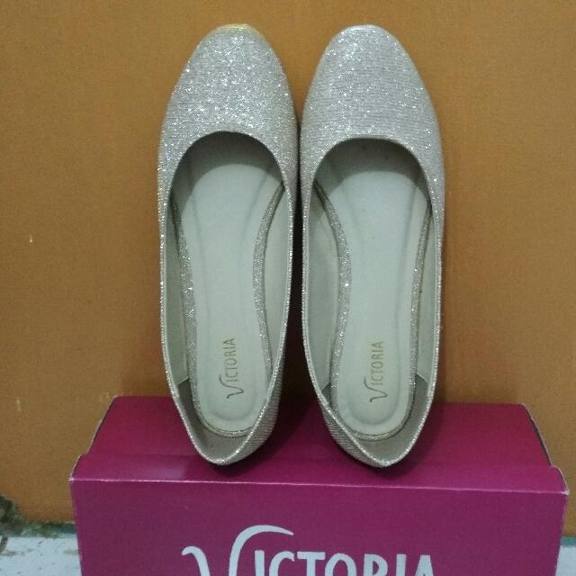 flat shoes victoria