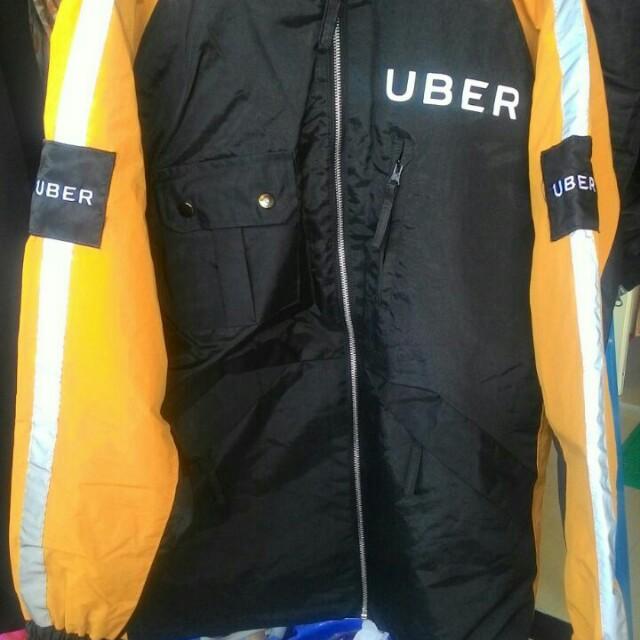 Helm & jaket uber