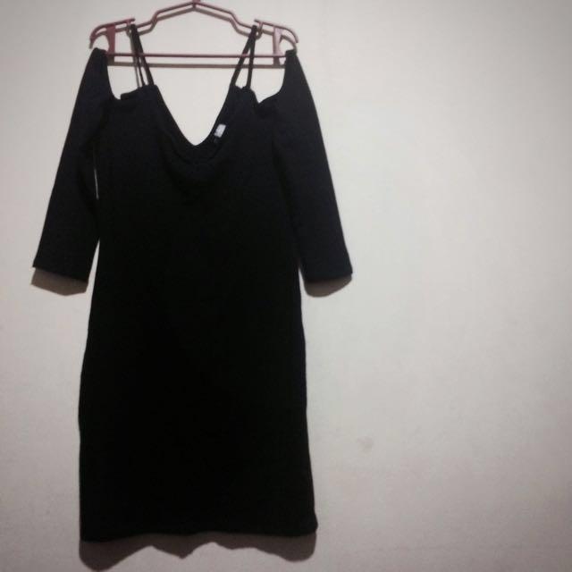 H&M Black Off Should Dress