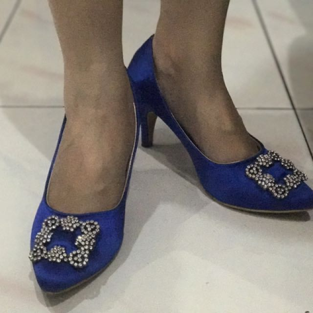Manolo Shoes size 37