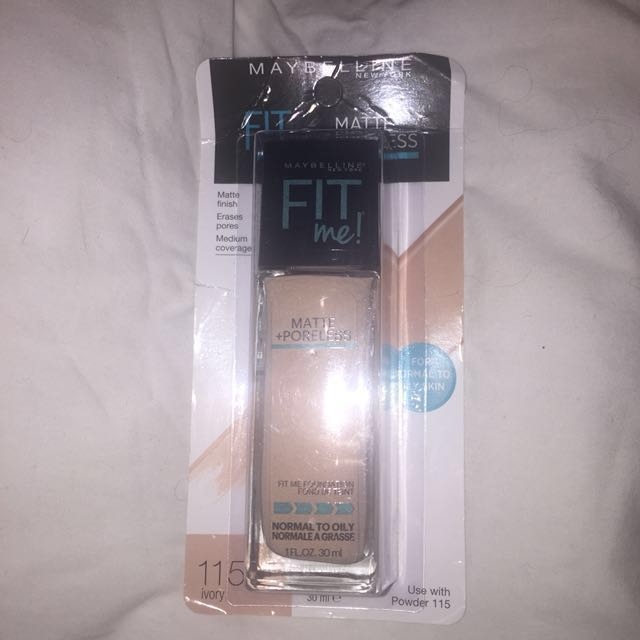 Maybelline Fit Me Foundation in shade Ivory