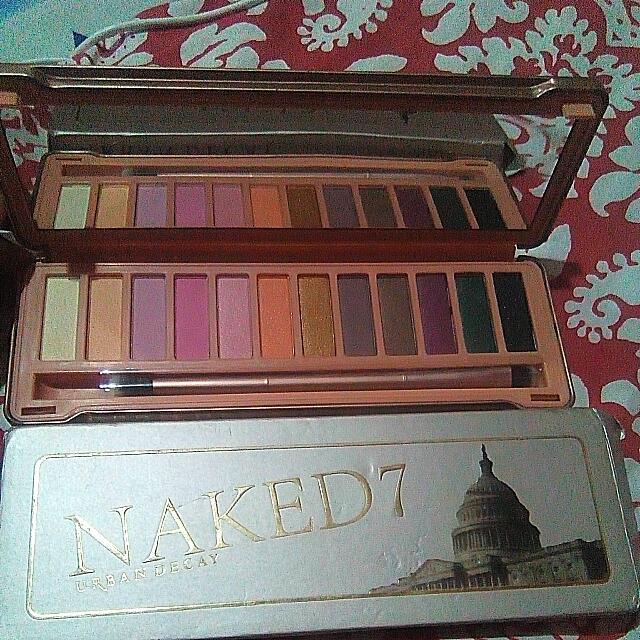 Naked 7 Eyeshadow palette