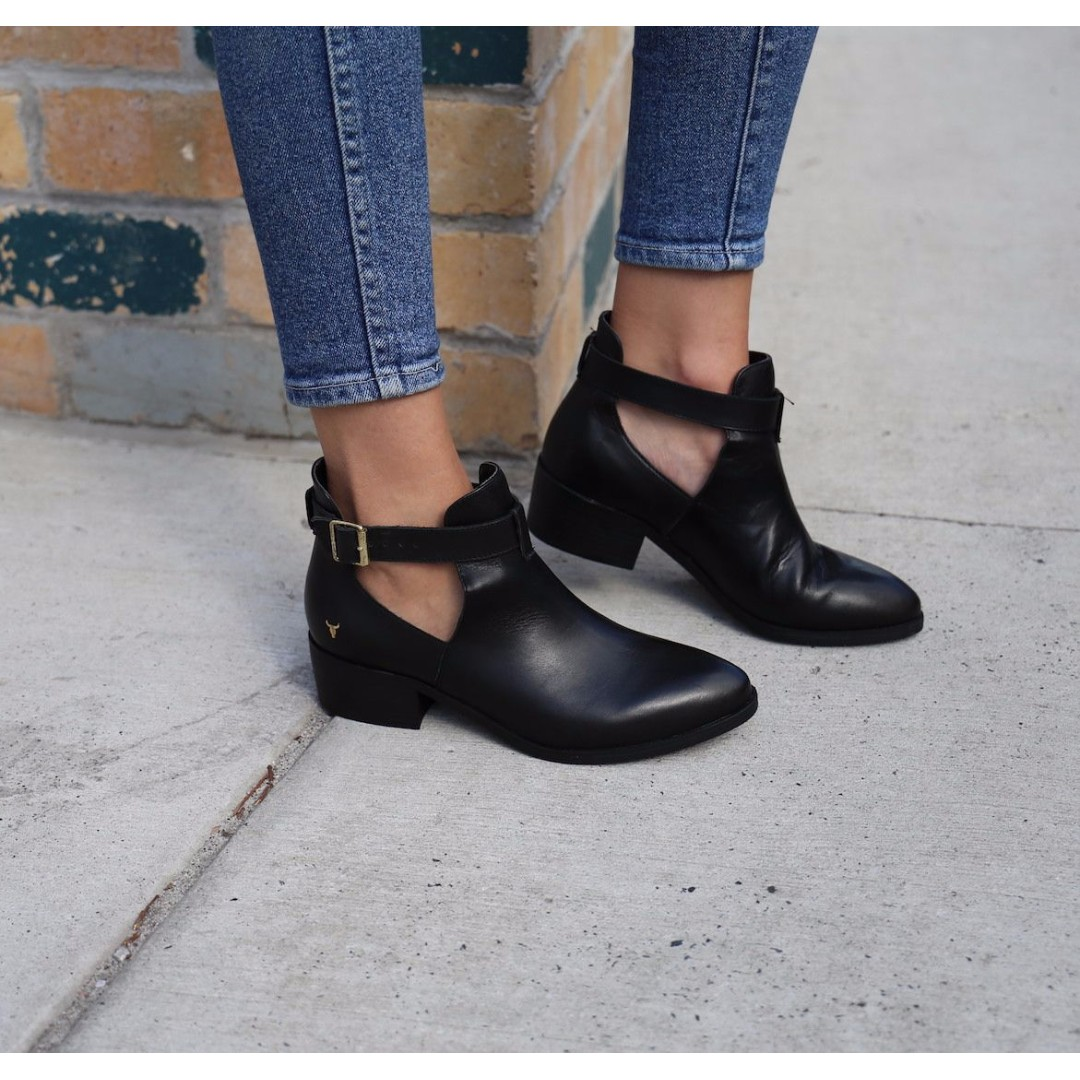 NEW Windsor Smith cut-out boots