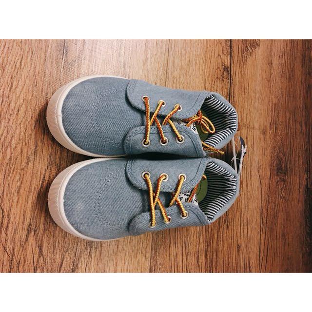Oshkosh  鞋 12號(18cm)