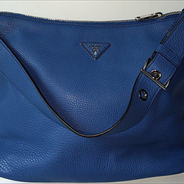 ca14ae814c51 Prada Vitello Daino Leather Shoulder bag- brand new