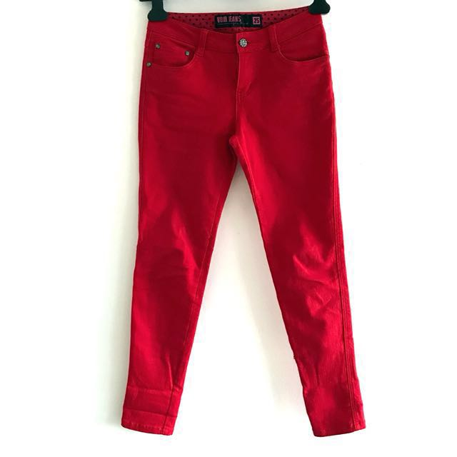 Red jeans by Voir