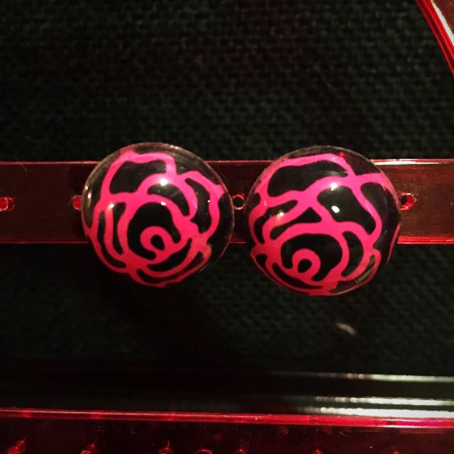 Rose pattern pink and black button earrings