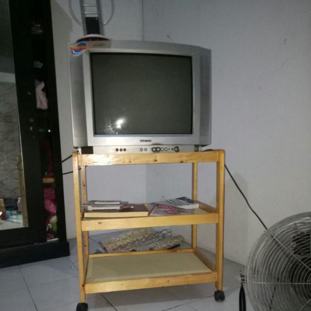 SEPAKET TV + MEJA