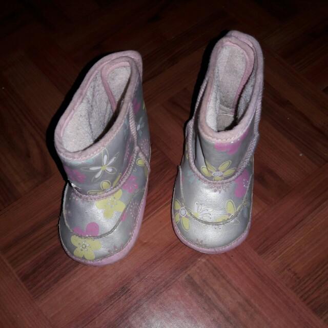 Sepatu anak size 20