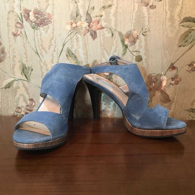 Sepatu marie claire