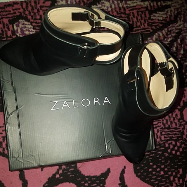 sepatu zalora hitam cantik