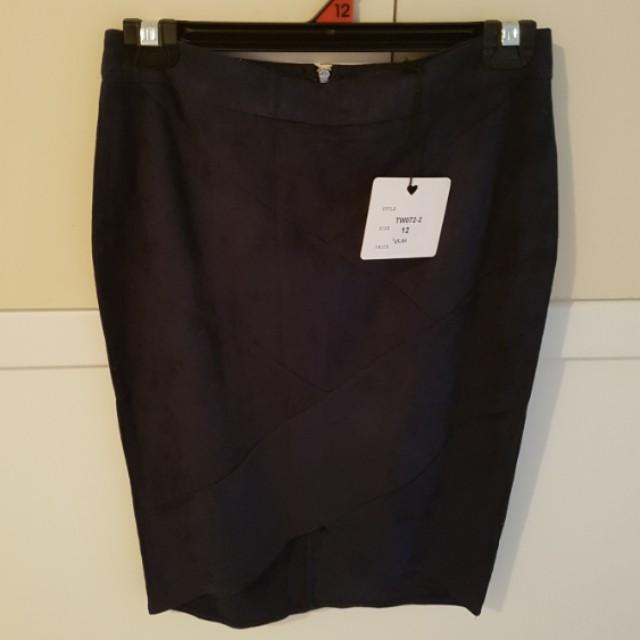Size 12 navy blue velvet skirt - never worn