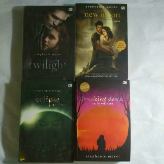 Take all (include ongkir jkt/bdg) Twilight Saga New Moon Eclipse Breaking Dawn
