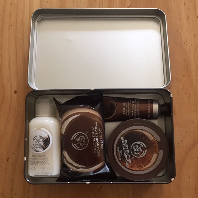 The body shop coconut gift pack