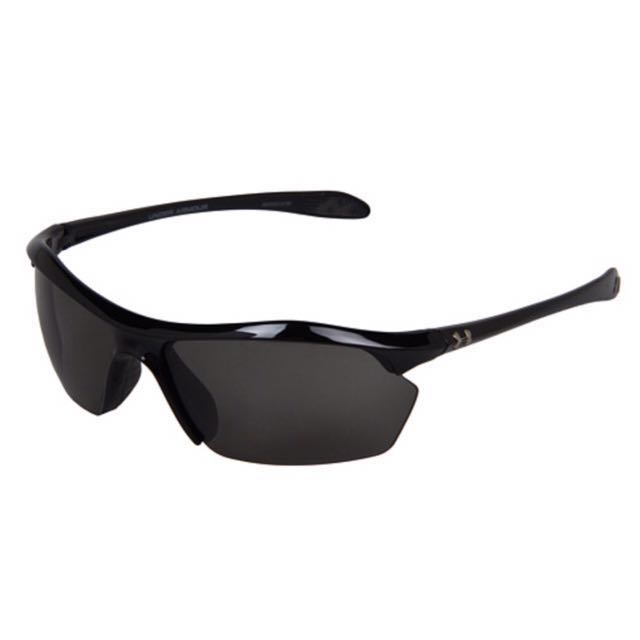 602ffb29d0a1 Under Armour Zone XL Sunglasses, Men's Fashion, Accessories on Carousell