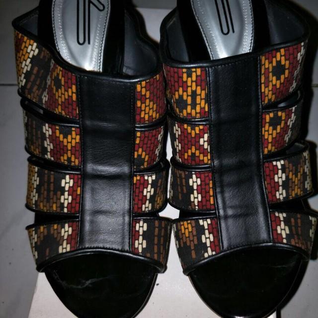UP Handmade heels