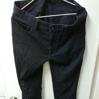 Uniqlo黑色長褲