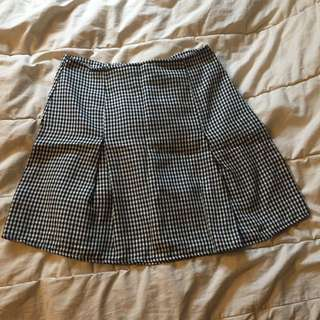 Brandy Melville pleated skirt