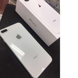 賣IPhone8 Plus 銀 白 用不到一個月 全新 女用機 已換X 64G