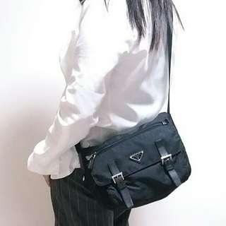 正品Prada新款男女合用斜揹袋unisex crossbody bag