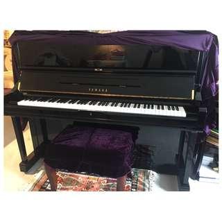 Piano (YAMAHA U1)