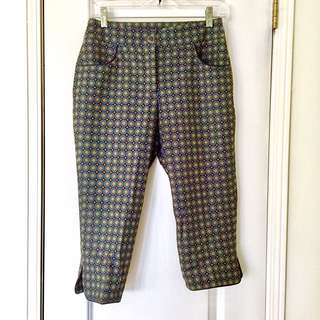 Chic Patterned Capri Pants