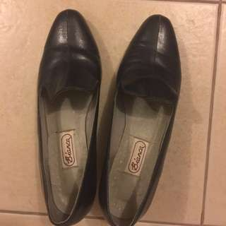 SALE !!! Authentic Leather Shoes not Kate tory MK kors gucci lv coach