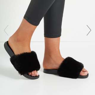 Comfy Black Fur Wild Slide