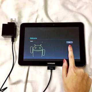 Samsung Galaxy Tab 8.9 LTE (sgh-I957r) + Charger