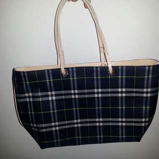 VINTAGE BURBERRY LONDON NYLON TOTE
