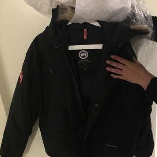 Canada goose authentic