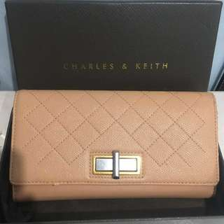 Dompet Charles and Keith asli
