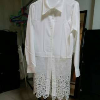 白色雕花襯衫可當罩衫