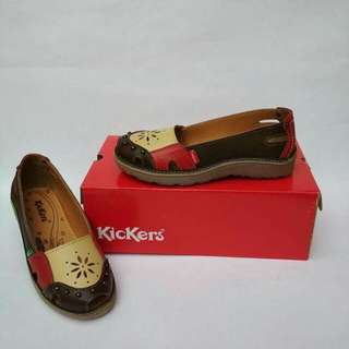 Sepatu wanita Kickers