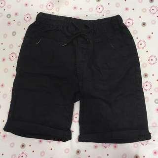 黑色休閒短褲