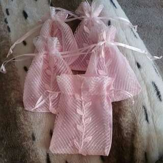 5 x baby pink leaf pattern small organza bags