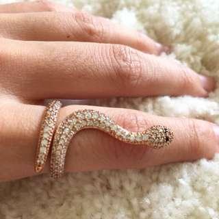[全新] kila 眼鏡蛇亮鑽戒指