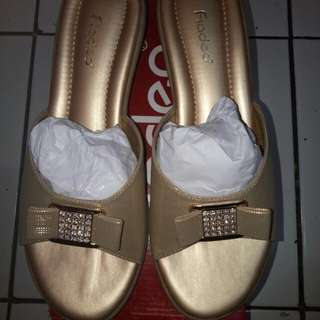 Fladeo shoes gold
