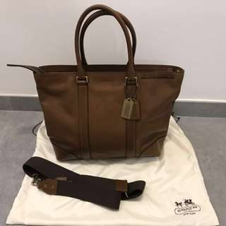 Coach genuine leather bag 男裝皮袋