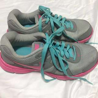 Nike Running Shoes (Size 7.5)
