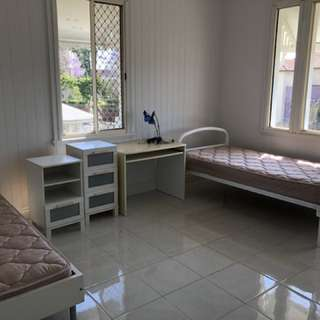 FOR RENT Kangaroo Point share room share house 🏠 excellent location near cliffs