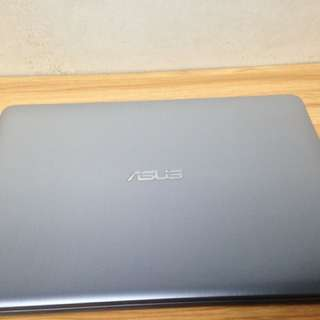 ASUS X441NA (SILVER GRADIENT)