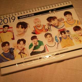 Wanna One 2018 & 2019 desk calendar