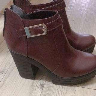 超美酒紅粗跟高跟短靴踝靴