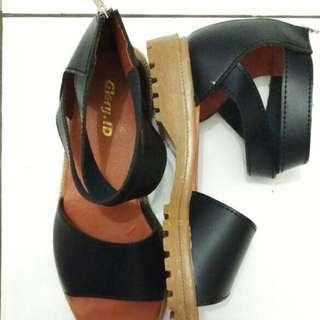 shoes strap black